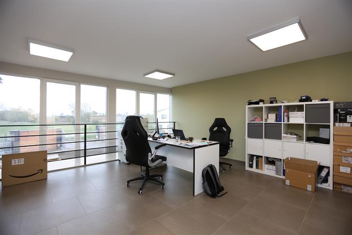 Bureaux & entrepôts - Fleurus - #4206622-3