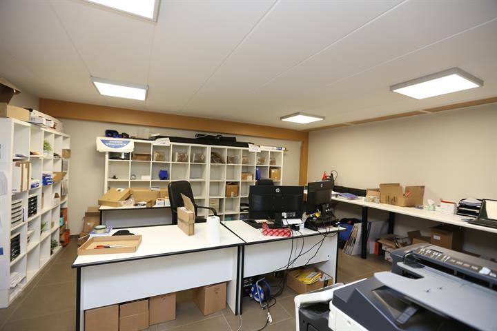 Bureaux & entrepôts - Fleurus - #4206622-25
