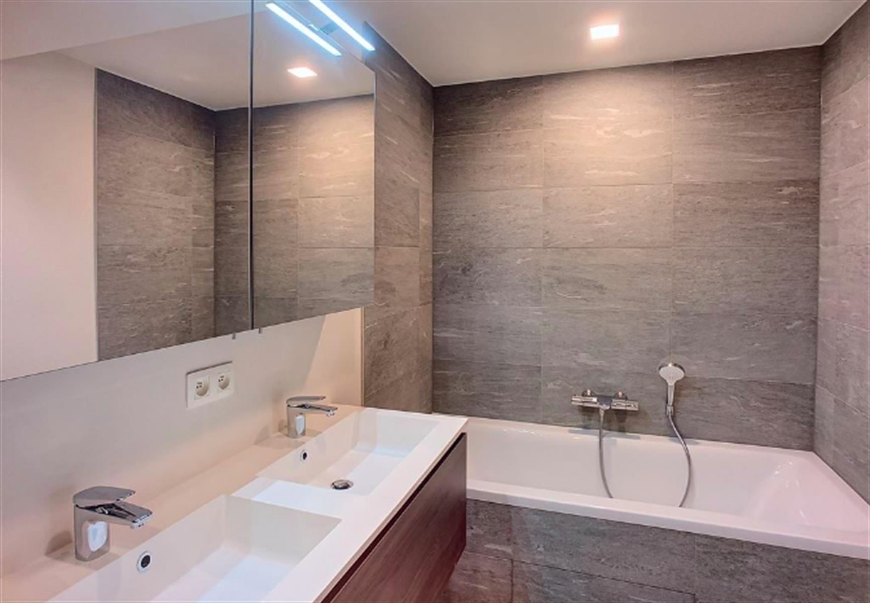 Appartement - Ixelles - #3999481-2
