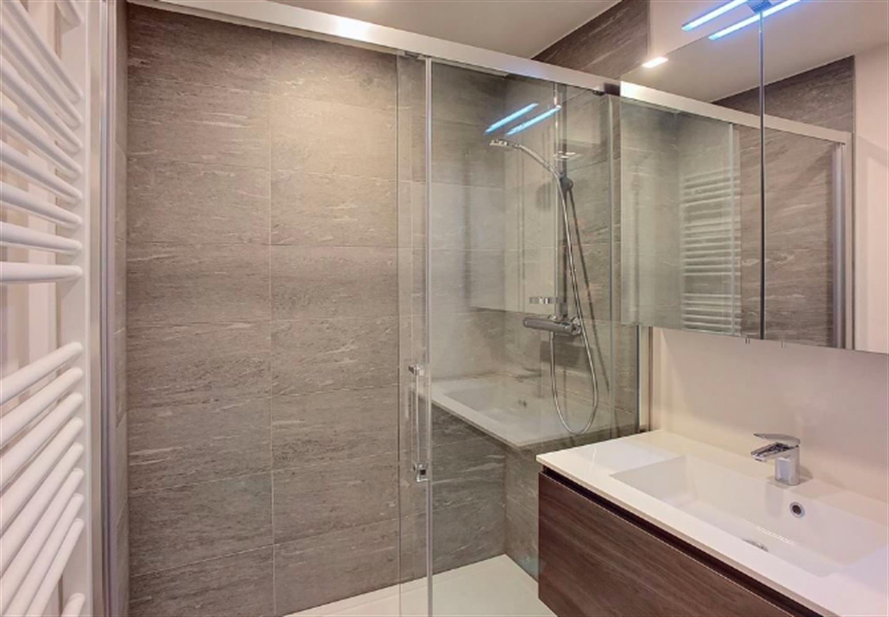Appartement - Ixelles - #3999481-3